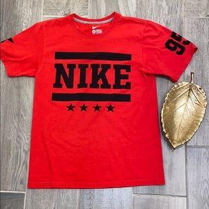 Men's Nike regular fit red tee, gently worn